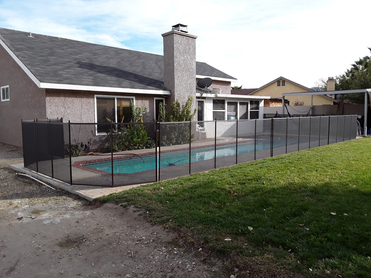 Life Saver pool fence installed in Palmdale, CA