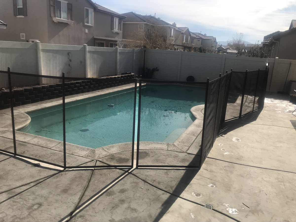 pool fence installer in Palmdale, CA