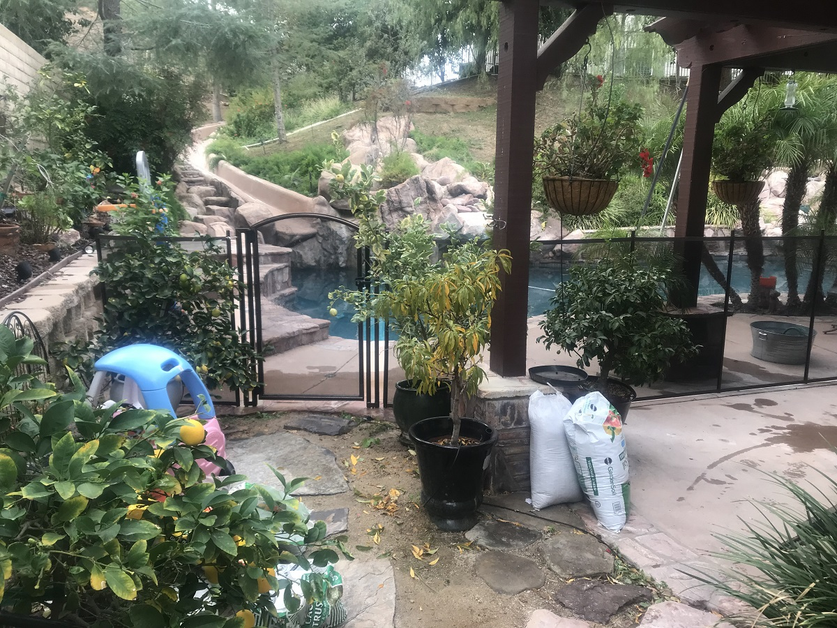 pool fence installed with a safety gate in Castaic, CA