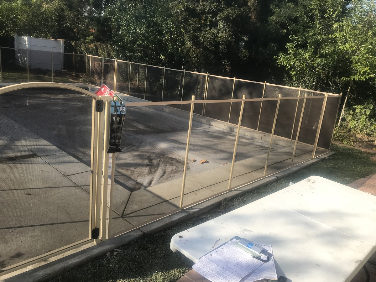 pool safety fence installations Toluca Lake, CA