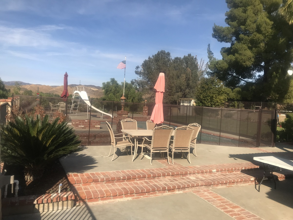 Santa Clarita pool fence installer