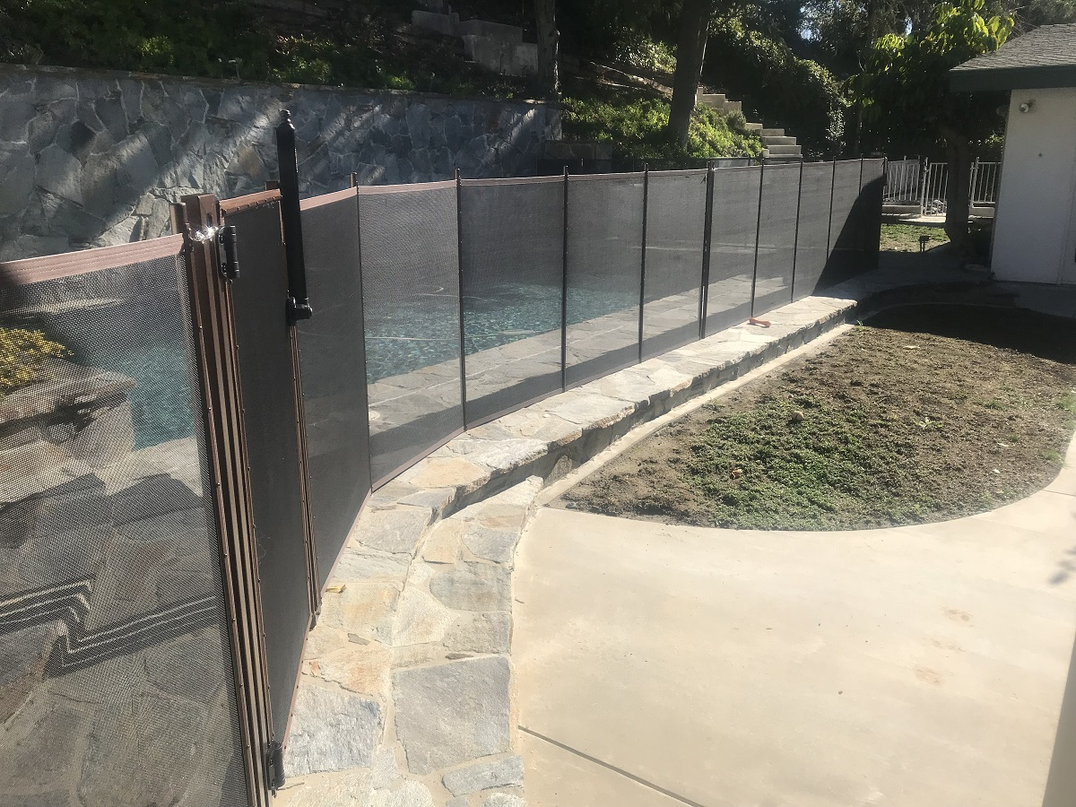 swimming pool fence installations West Hills, CA