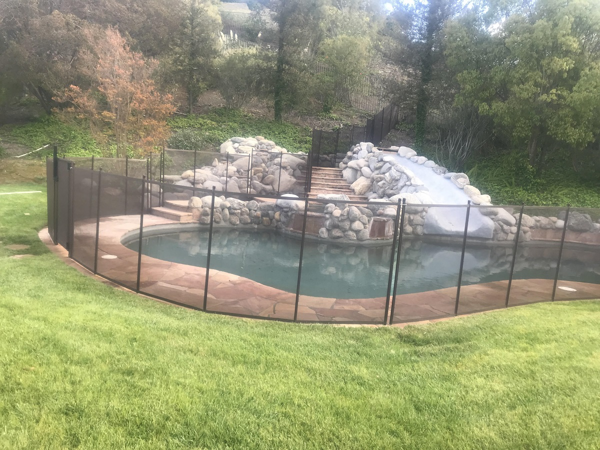 child pool safety fence installed in Los Angeles, CA